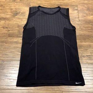 Nike sphere dry tank top